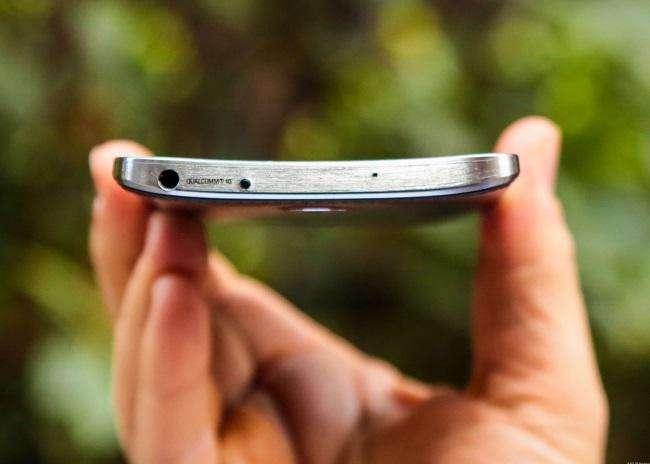 هیچکس Galaxy Round ر ا به خاطر نمیآورد اما همین گوشی پایهگذار Galaxy S7 Edge شد