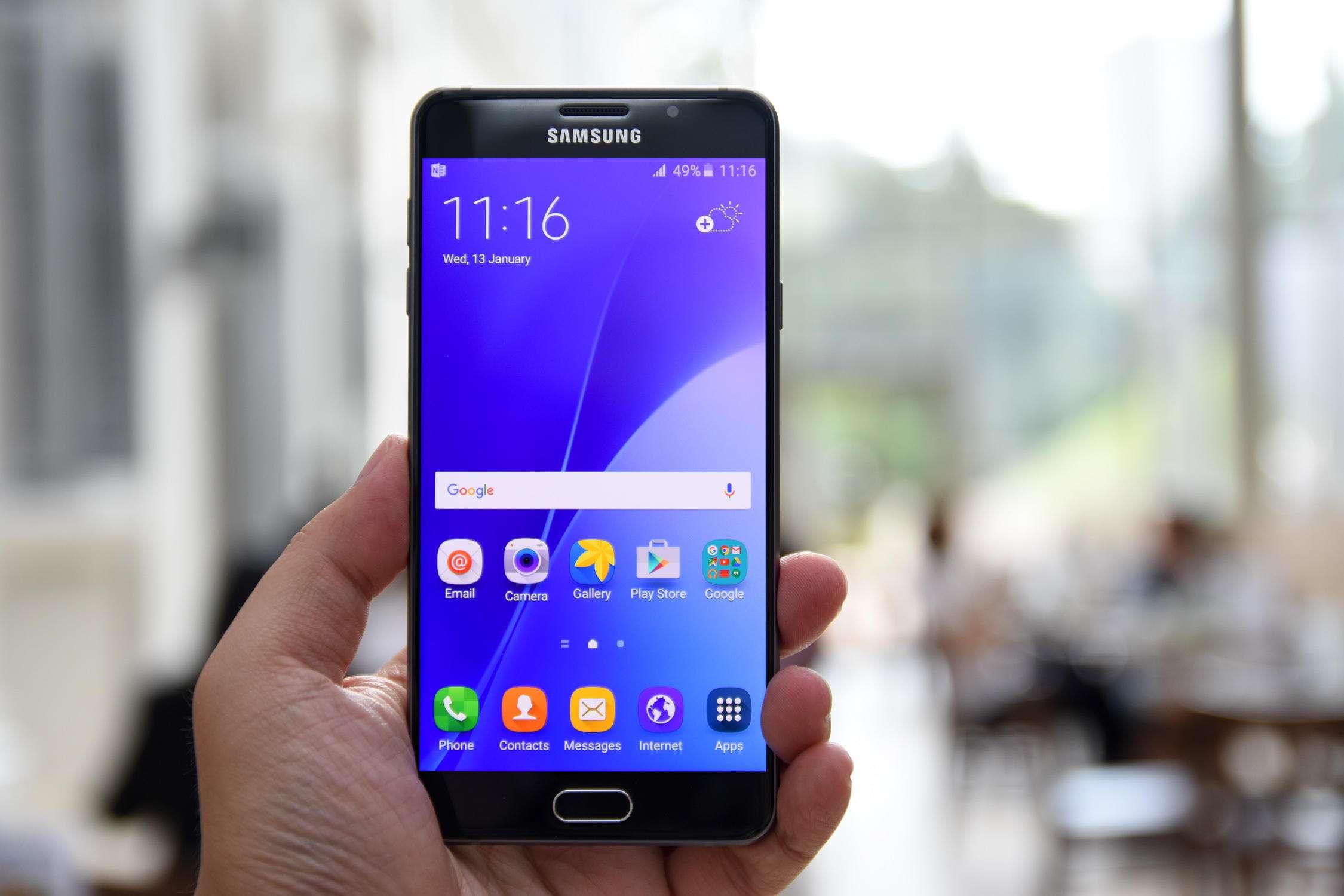 Galaxy%20A7%202016%20(7) - آیا (Galaxy A7 (2016 ارزش خرید دارد؟