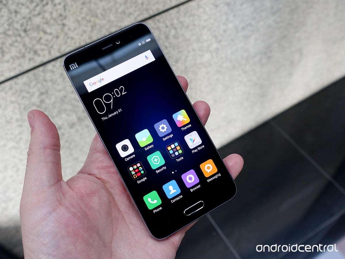شیائومی Mi5  شیائومی Xiaomi Mi5 mi5 hands 1