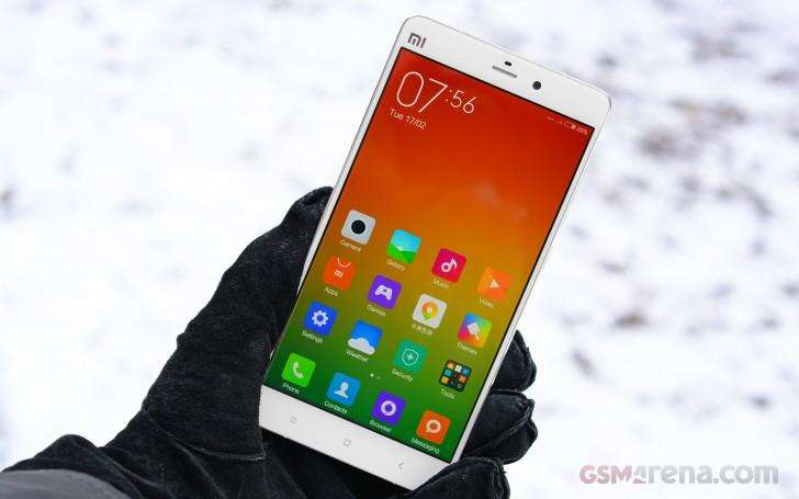 mi note - نمایشگرهای خمیده در راه گوشیهای چینی