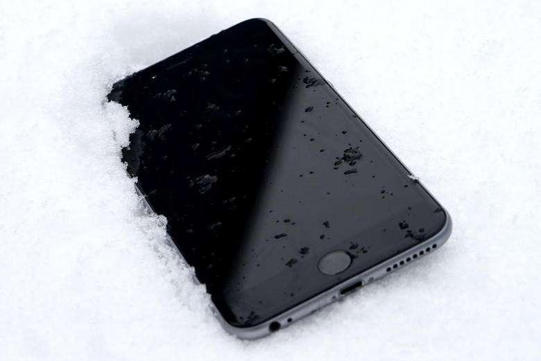 iPhone 6 Plus Frozen Snow 780x521 - شکایت تامینکنندگان قطعات آیفون از کاهش سود در ماههای اخیر