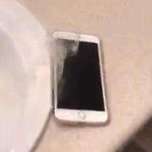اپل در جستجوی راز آیفون آتش گرفته